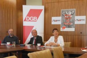 Pfarrer Heiner Augustin, Landtagsabgeordneter Rainer Bischoff und Angelika Wagner, Geschäftsführerin des Bündnisses für Toleranz und Zivilcourage