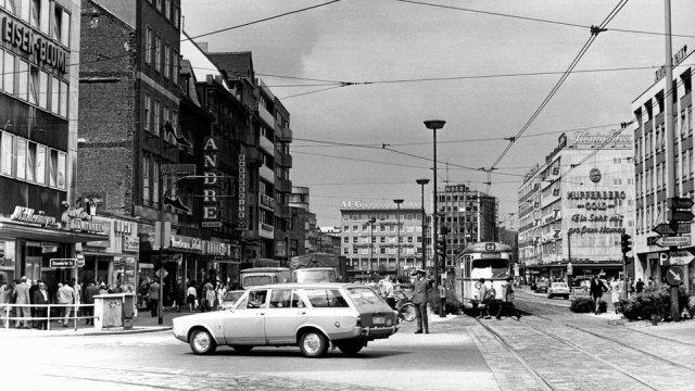 Die Königstraße Richtung Kuhtor 1971.