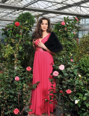 Sopranistin Brigitta Kele in der Rolle der Kurtisane Violetta Valéry. Foto: Hans Jörg Michel.