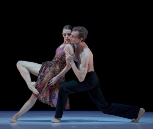 Martin Schläpfer: b.16 - Ballett am Rhein.  Foto: Gert Weigelt.