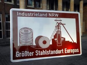 Autobahnschild als Teil einer Image-Kampagne für die Region. Foto: Petra Grünendahl.