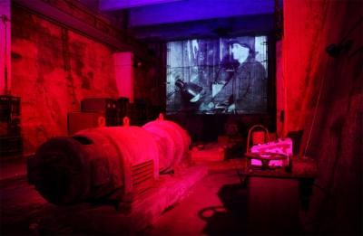 In den Tagesbunkern 2-5 im Landschaftspark Duisburg-Nord sehen Gäste ab sofort eine neue Videoinstallation.  Filmaufnahmen aus dem Jahr 1953 – unterlegt mit werkstypischen Klängen - zeigen das stillgelegte Hüttenwerk in Bewegung. Foto: Thomas Berns.