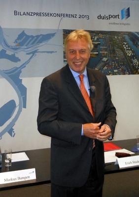 Hafenchef Erich Staake hat gut lachen: Bilanzpressekonferenz der duisport-Gruppe