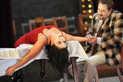 La commedia è finite: Nataliya Kovalova (Nedda), Gary Lehmann (Canio). Foto: Hans Jörg Michel.