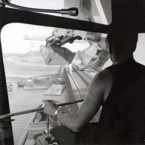 Von der Leitstelle aus ergab sich seit 1964 eine perfekte Übersicht über die Schiffsentladeanlagen und den Hafen. Foto: TKSE AG