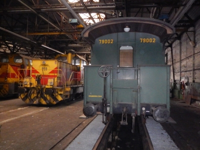 Moderne Loks und der historische Wagen. Impressionen aus der Halle des Bahnbetriebs bei ThyssenKrupp Steel Europe. Foto: TKSE AG