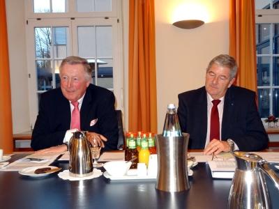Stellten beim Unternehmerverband die Konjunktur-Umfrage Herbst 2014: Heinz Lison und Wolfgang Schmitz (v.l.)