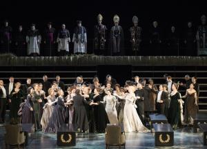Sergej Khomov (Radamès), Chor der Deutschen Oper am Rhein. Foto: Matthias Jung.