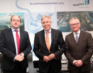 Der Vorstand der Duisburger Hafen AG (v.l.): Markus Bangen, Erich Staake (Vorsitzender) und Prof. Thomas Schlipköther. Foto: Rolf Köppen / duisport.