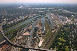 Duisburger Hafen (Luftbild). Foto: Hans Blossey.