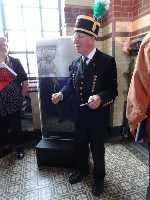 Wer sich für die Kulturgeschichte des Bergbaus und der Zechen im Ruhrgebiet interessierte, war bei den Führungen von Siegfried Rother richtig. Foto: Petra Grünendahl.