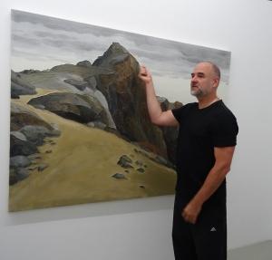 Shin Hanga - japanische Landschaften: Sven Drühl erklärt seine Werke bei einer Pressevorbesichtigung der Sonderausstellung im Museum DKM. Foto: Petra Grünendahl.