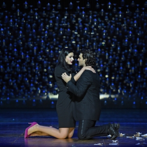 Happy End: Luiza Fatyol (Adina), Georgy Vasiliev (Nemorino). Foto: Hans Jörg Michel.