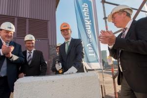 NRW-Umweltminister Johannes Remmel - Baubeginn für den neuen Gewebefilter. Foto: TKSE.