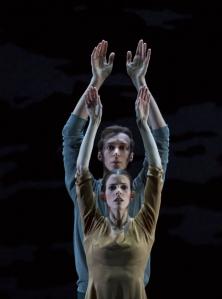 Antony Tudor: Dark Elegies © The Antony Tudor Ballet Trust – Virginia Segarra Vidal und Marcos Menha. Foto: Gert Weigelt.