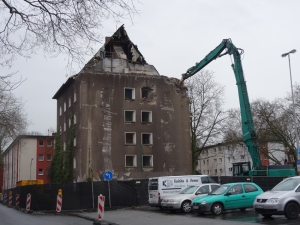 "Bis Mitte März ist der ""Schandfleck"" Geschichte. Foto: Petra Grünendahl."