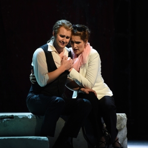 Jussi Myllys (Belmonte), Adela Zaharia (Konstanze). Foto: Hans Jörg Michel.