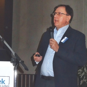 Experte für Benennungsmarketing Dr. Bernd M. Samland. Foto: Petra Grünendahl.