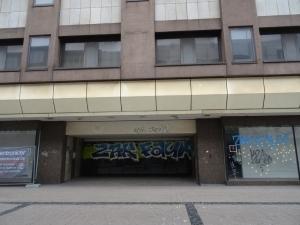 Trostlos: Leerstand an der Münzstraße. Foto: Petra Grünendahl.