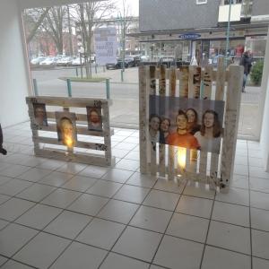"""Der Altstadt ein Gesicht"": Ausstellung im Ladenlokal am Contipark-Parkhaus Münzstraße / Ecke Peterstal. Foto: Petra Grünendahl."