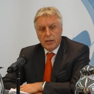 Erich Staake, Vorsitzender des Vorstandes, bei der Bilanzpressekonferenz 2016 der Duisburger Hafen AG. Foto: Petra Grünendahl.