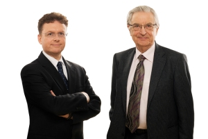 Prof. Dr. Julius Reiter (l.) und Gerhart Baum, Bundesinnenminister a. D. Foto: Anke Jacobs.