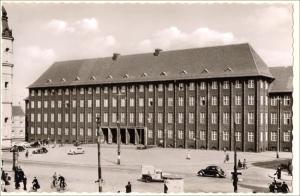 Amtsgericht Hamborn ca. 1955 aus: Duisburger Denkmalthemen, Heft 11. Quelle: Stadtarchiv Duisburg.