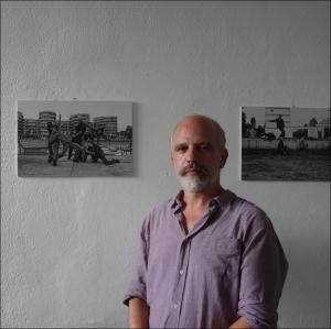 Diese Aufnahmen seien mal für die Duisburger Akzente entstanden, verriet der Duisburger Fotograf Giovanni Pinna beim Rundgang durch die Ausstellung. Foto: Petra Grünendahl.