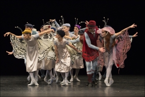 "Ballett am Rhein b.29: Ensemble in Jerome Robbins ""The Concert"". Foto: Gert Weigelt."