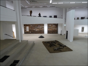 Neuaufgestellt! Neurpäsentation der Sammlung im Lehmbruck Museum. Foto: Petra Grünendahl.