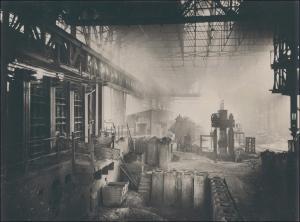 1912 wurde in Duisburg noch mit dem damaligen Siemens-Martin-Verfahren Stahl erschmolzen. Heute wird Stahl in hochmodernen Oxygen-Stahlwerken produziert. Foto: tkse.