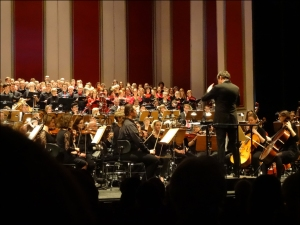 Festkonzert der Universität Duisburg-Essen mit Dirigent Oliver Leo Schmidt. Foto: Petra Grünendahl.