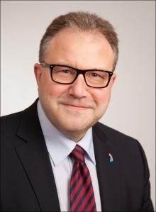 Prof. Dr. Rembert Horstmann, Marketingleiter der Imperial Logistics International, lehrt als Honorarprofessor an der Fachhochschule der Wirtschaft in Paderborn. Foto: Imperial.